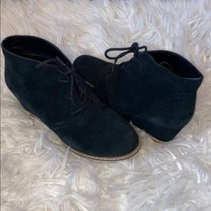 Barely worn black stylish girls boots